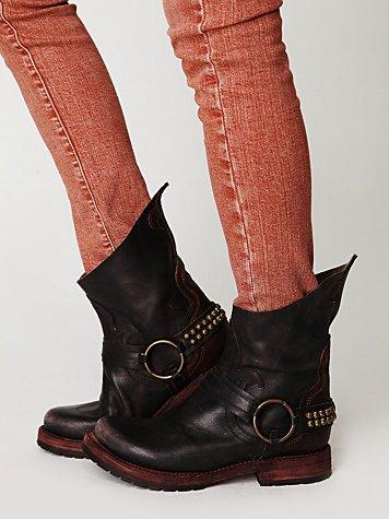 Hatchett Harness Boot