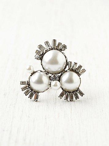 Pearl Burst Deco Ring