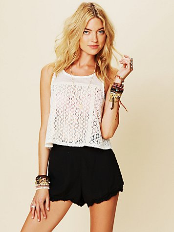 Scallop Novelty Swing Top