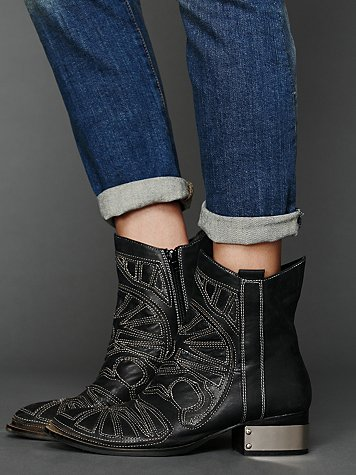 Cavalier Boot