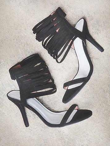 Domino Heel