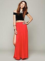 Flowly Slit Skirt