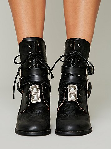 Lace In Stud Boot Jewelry