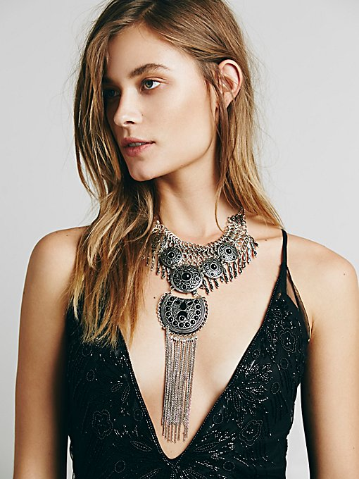 Anja Statement Collar