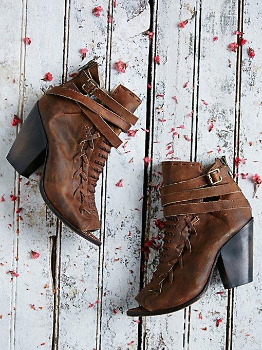 Eagle Heel Boot