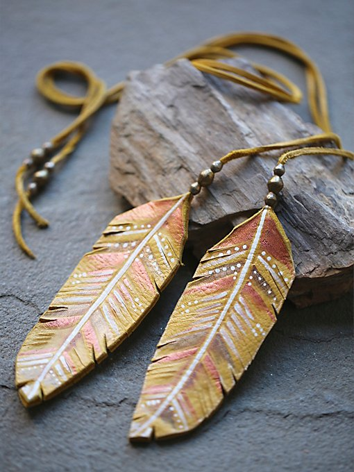 Feather In The Wind Lariat