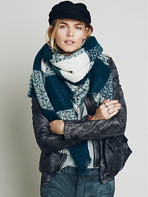 Killington Oversized Plaid Scarf