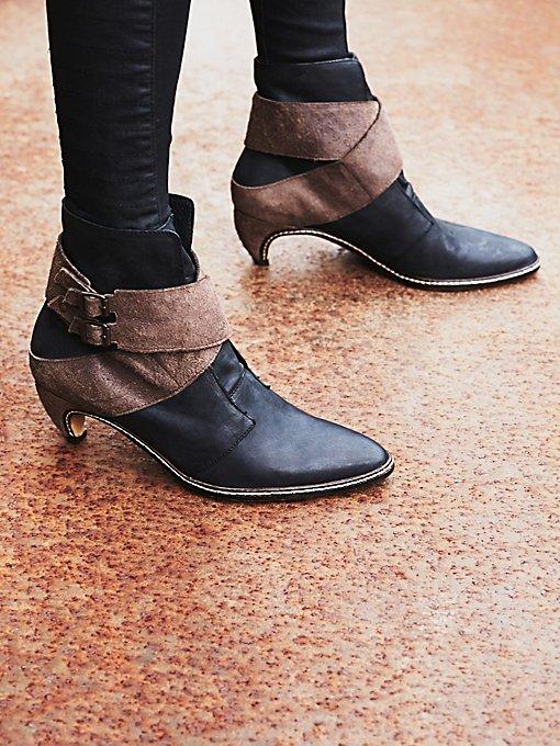 Night Raven Heel Boot