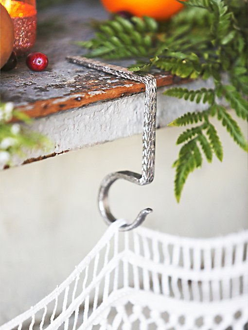 Zig Zag Stocking Holder