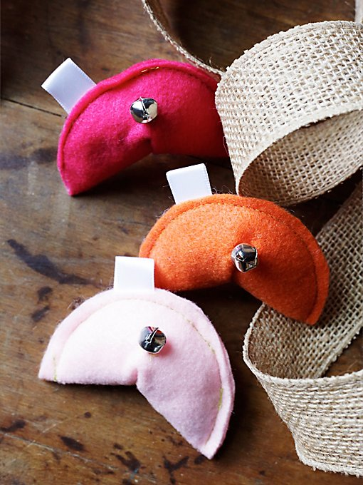 Fortune Cookie Cat Toy